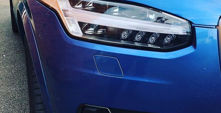 Amazing Bursting Blue Volvo XC90 in Bursting Blue!