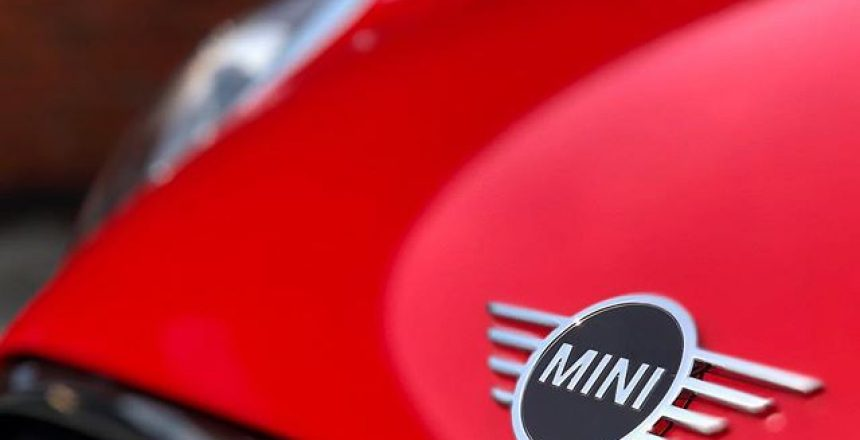 Fab little Mini Cooper D off out on a Car Subscription to a lady called Melanie in Milton Keynes! @miniuk @mini