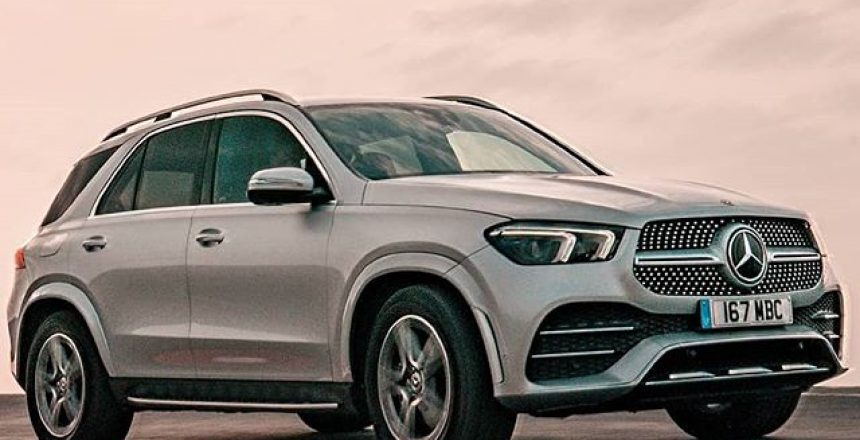 Posted @withrepost • @carwowcars It's luxurious, spacious and loaded full of tech.... Has the new GLE finally surpassed the BMW X5 and Audi Q7? Head over to our Story to check out Mat's latest review!