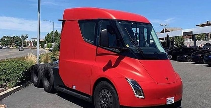 "Posted @withrepost • @teslanewsdaily Haven't posted the semi in a while 🚛🚛 I think this will be one of the biggest releases, it'll definitely make a huge impact on emissions, and it completely changes the thought that ""electric is weak,"" along with the Roadster. ———————————————————— 📸Photo from: Unknown DM for credits———————————————————— Tag someone who would love to see this!  Also drop a like and comment! ————————————————————"